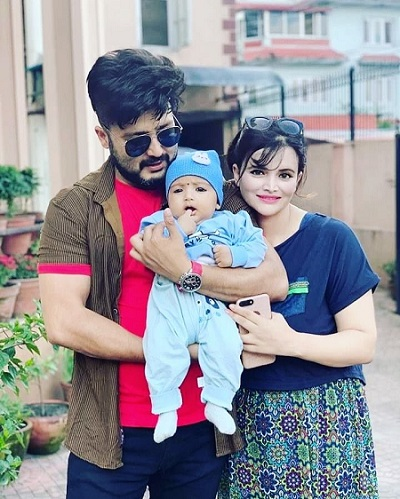 Aaryan Sigdel with his wife