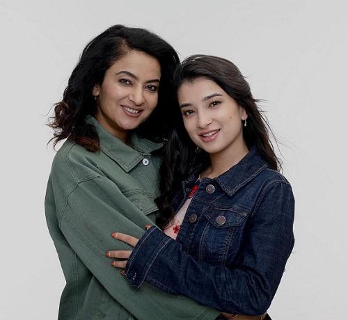 Suhana Thapa with mother Jharana Thapa